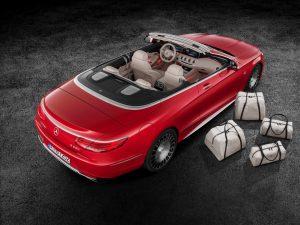 "Mercedes-Maybach S 650 Cabriolet Studioaufnahme, exklusives Reisetaschen-Set ""THE AFFINITY"" ;Kraftstoffverbrauch kombiniert: 12,0 l/100 km; CO2-Emissionen kombiniert: 272 g/km Mercedes-Maybach S 650 Cabriolet studio shot, exclusive travel luggage set ""THE AFFINITY""; Fuel consumption combined: 12,0 l/100 km; Combined CO2 emissions: 272 g/km"